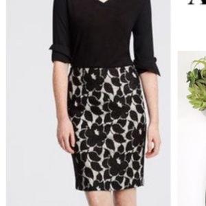 Ann Taylor XS 2 Black Lace straight Pencil Skirt